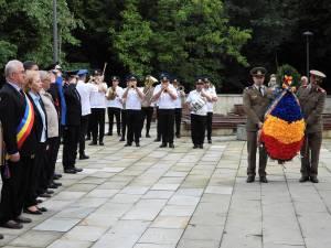 """Marele voievod """"Ștefan cel Mare"""" comemorat la Suceava, pe platoul Cetății de Scaun, prin depunerea de coroane de flori"""