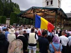 Câteva mii de pelerini au participat la comemorarea voievodului Ștefan cel Mare, la Mănăstirea Putna