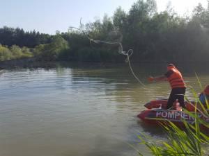 Bărbat de 71 de ani, găsit mort în râul Suceava, unde a intrat să se răcorească