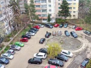 """""""Locul cunoscut de suceveni """"La Bazin"""" devenit acum parcare cu acte în regulă"""
