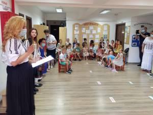 """Directoarea Grădiniței din Obcini, Maria Todereanu, la Școala de vară """"Vrei să înveți lucruri noi"""""""