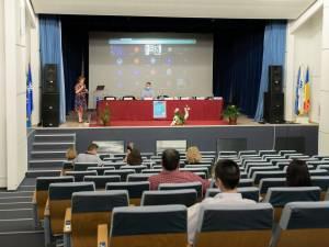"""Ediția a V-a a Simpozionului național """"Contribuția bibliotecii la afirmarea diversității culturale în spațiul românesc"""". Foto Ema Motrescu"""
