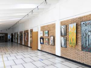 Expoziție de pictură, la Simpozionul Naţional al Bibliotecii USV Foto Emma Motrescu