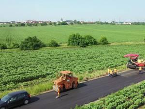Strada Pimen Suceveanul - legătura între municipiul Suceava și satul Lisaura, modernizată în totalitate