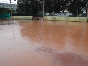 Ploile de ieri au perturbat programul Cupei Monitorul