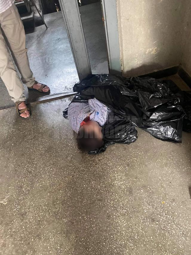 Femeia gasită în sac a ieşit din comă