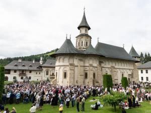 """La Mănăstirea Putna va avea loc, în perioada 14-16 august, manifestarea """"Serbarea de la Putna 150. Continuitatea unui ideal"""""""