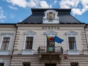 Peste o sută de mii de vizitatori, în luna august, la Muzeul Național al Bucovinei