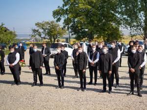 """Elevii Seminarului Teologic Ortodox """"Mitropolit Dosoftei"""" au revenit la școală"""