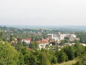 Restricții specifice scenariului roșu în orașul Solca Foto wikipedia.ro