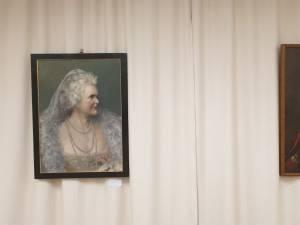 Piese din colecțiile aflate în patrimoniul Muzeului Național Peleș, expuse la Muzeul de Istorie Suceava