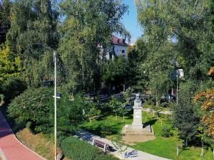 Parcul Simion Florea Marian, modernizat, odată cu strada și parcarea aferentă