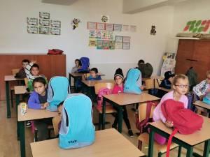 Campanie de strângere de rechizite școlare pentru 40 de copii de clasa zero și 100 de preșcolari cu posibilități financiare reduse
