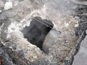 O avarie la magistrala II de termoficare duce la sistarea temporară a apei calde în trei cartiere din Suceava