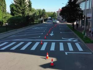 Strada Curtea Domnească are acum o porțiune mai mare cu sens unic, dar și mai multe locuri de parcare
