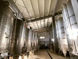 Instalații de inox performante pentru prepararea vinului la Crama Gramma
