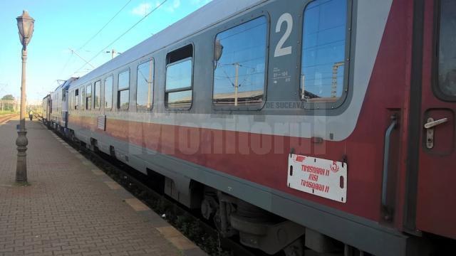 Trenul Iași-Timișoara Nord în Gara Suceava
