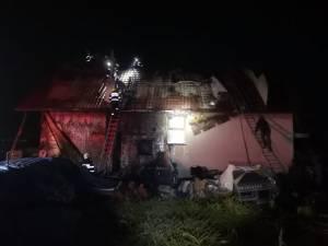 Incendiu la acoperișul unei vile din Bosanci