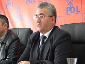 PDL critică afişajul ilegal practicat de PSD şi PNL