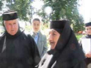 De opt decenii maicuta la Manastirea Razboieni