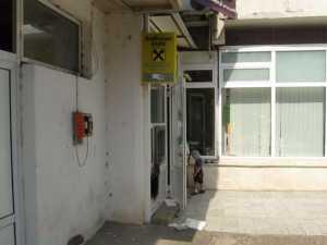 Au încercat să spargă un bancomat din cartierul George Enescu
