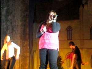 Luisa Birsanu prestatie live de exceptie la Balul de la Cuza