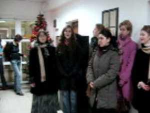 Studenti de la ASCOR au colindat redactia Monitorul de Suceava