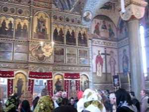Biserica acoperita cu aur de la Cajvana