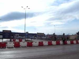 Intrarea la Metro, blocata de Primaria Suceava