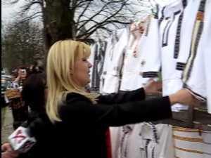 Udrea vrea sa lanseze la Bucuresti moda cu ii si traiste din Bucovina