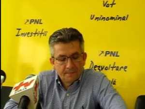 Philip Rozopol nu renunta la presedintia PNL Suceava