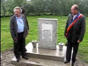 Primul monument inchinat evreilor asasinati in judetul Suceava, dezvelit la Zaharesti