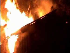 Două incendii, din cauza instalaţiilor electrice defecte