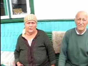 Batrani de 80 de ani, plasati în arest la domiciliu de fiul politist