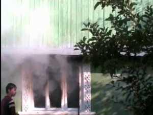 Bătrân ars de viu, în propria casă
