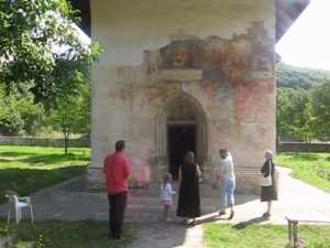 Cea mai veche biserică rămasă de la Ştefan ce Mare, bătaia de joc a romilor