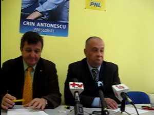 """Baisanu: """"Basescu si Geoana reprezinta acelasi sistem ticalosit"""""""