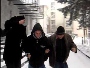 Tâlhărit de cinci indivizi, cu un pistol de jucărie