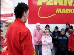 Penny Market a oferit 50 de pachete cu dulciuri copiilor de la Centrul Sf Vineri