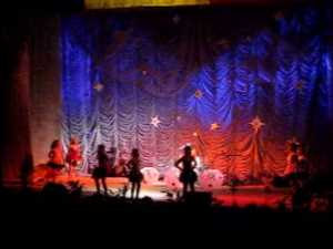 Sute de suceveni au cantat si dansat Hora Unirii