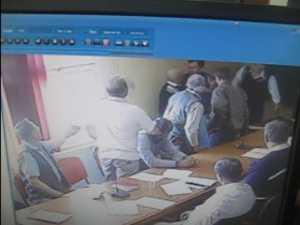 La un pas de bătaie, în şedinţa de consiliul local