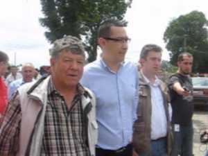Victor Ponta a venit cu ajutoare pentru sinistrati