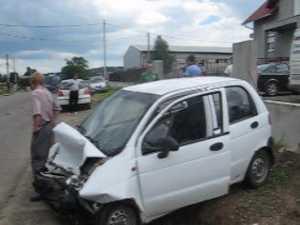 Accident cu cinci victime, ieri după-amiază, la intrarea în Bosanci