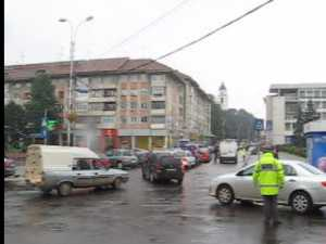 Trafic de coşmar în centrul Sucevei