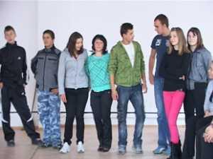 Boboci vikingi, azteci şi maiaşi, pe scena Balului Grupului Şcolar Nr. 1 Câmpulung Moldovenesc