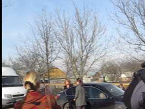 Maria Basescu a impartit paturi familiilor sinistrate din Serbauti