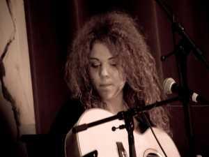 Cristina Andrieş, al doilea concurent, şi folk până târziu în noapte