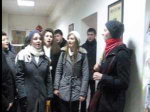 Voces Christianum a colindat ieri redactia Monitoul de Suceava