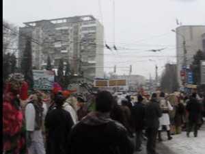 Urşi, capre şi draci au invadat străzile Sucevei