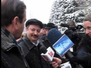 Şase localităţi din Suceava au primit ieri microbuze pentru transportul elevilor